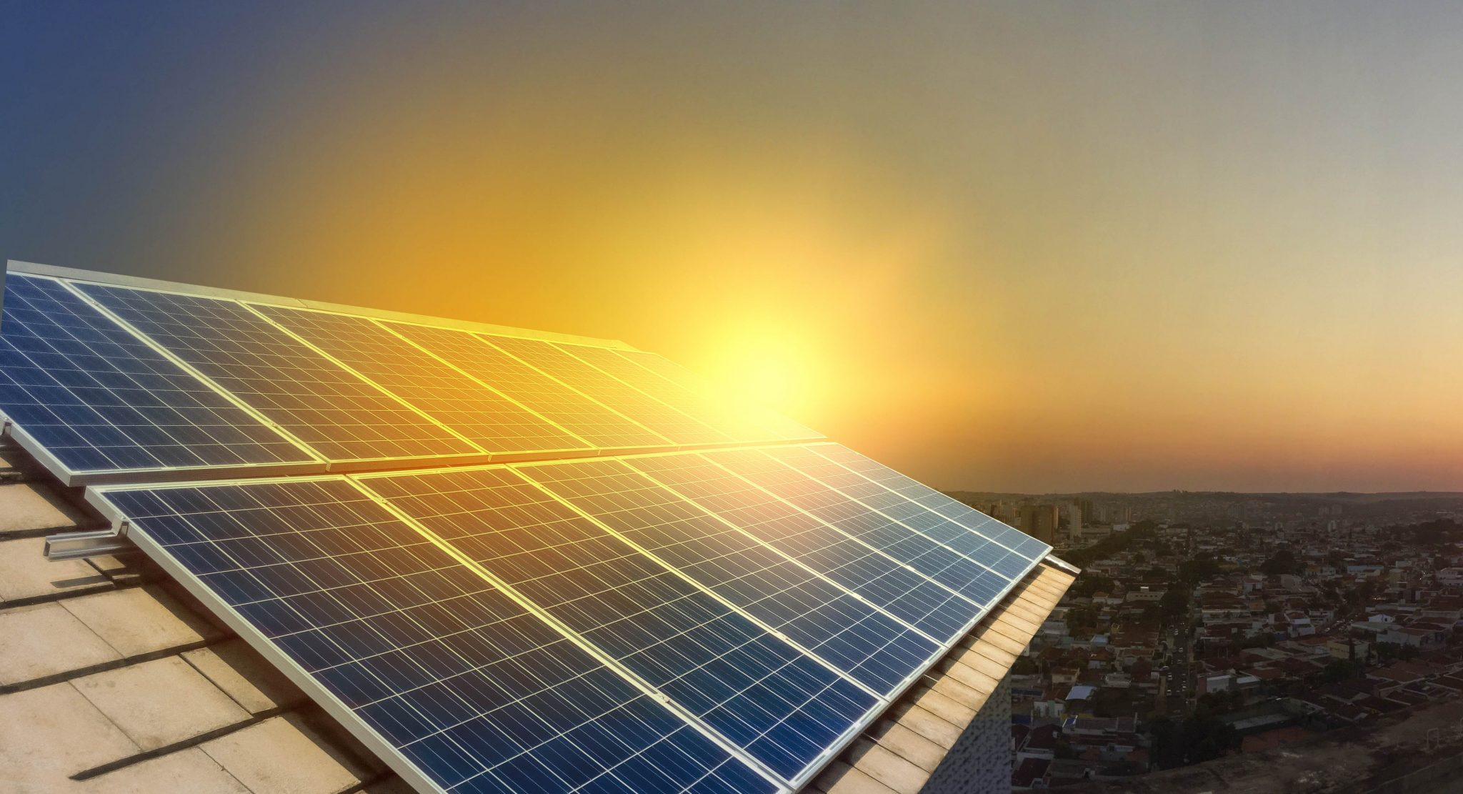 solar-power-panels-on-a-roof-at-sunset.jpg (4282×2323)